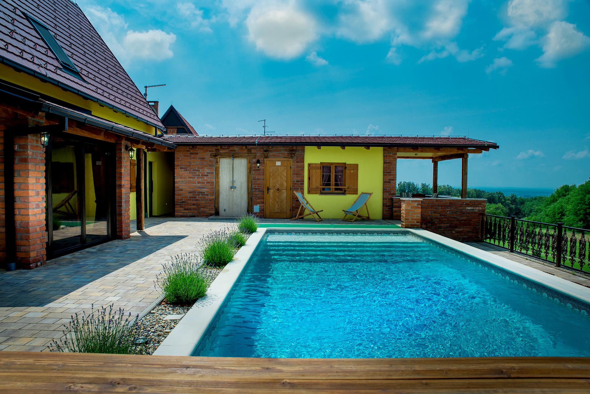 Apartman s pogledom na bazen